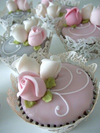 Pink Elegant Wedding Cupcakes