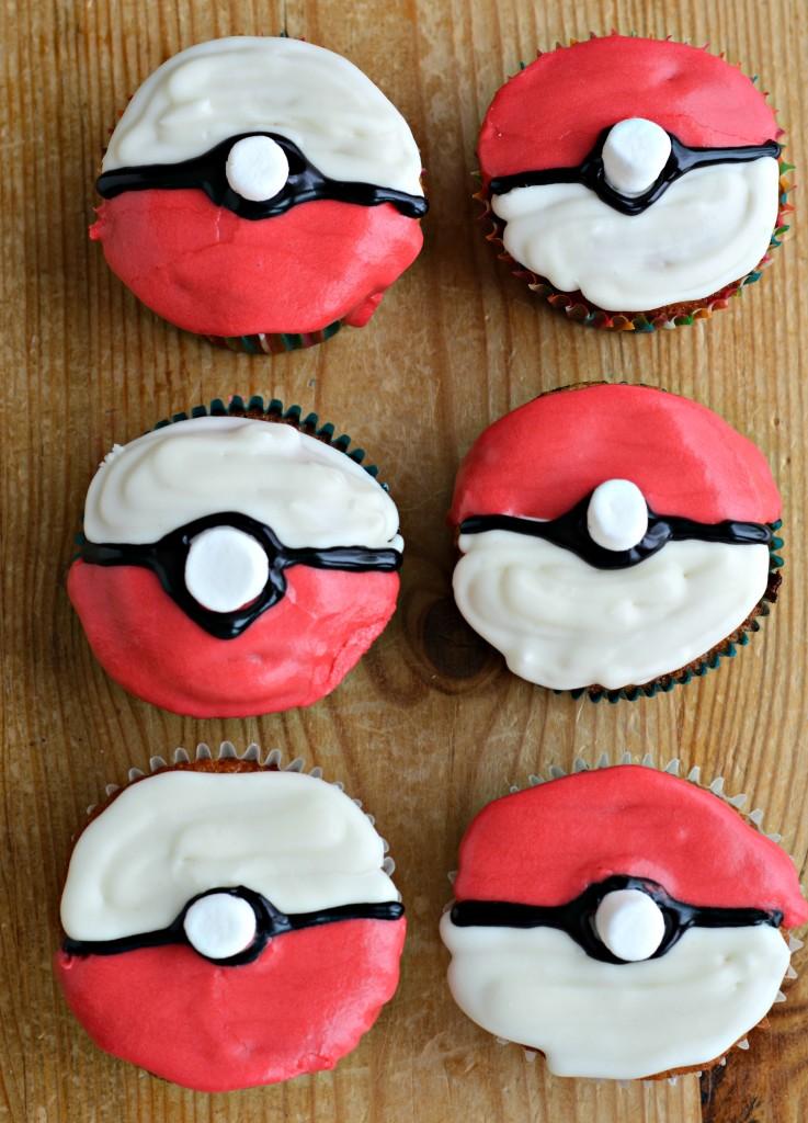 Pokemon Pokeball Cupcakes