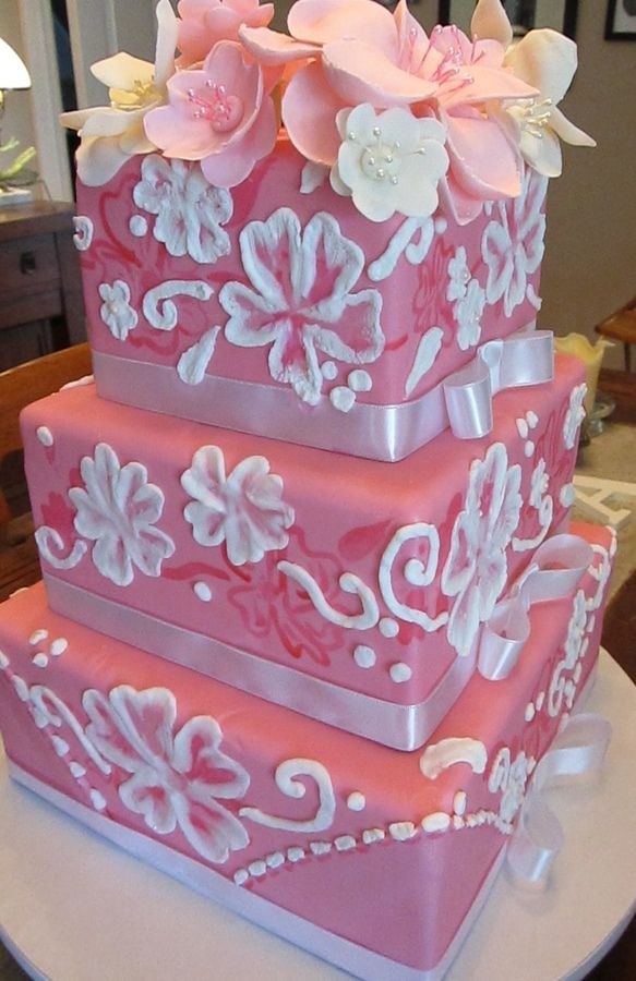 Royal Icing Flowers On Wedding Cake