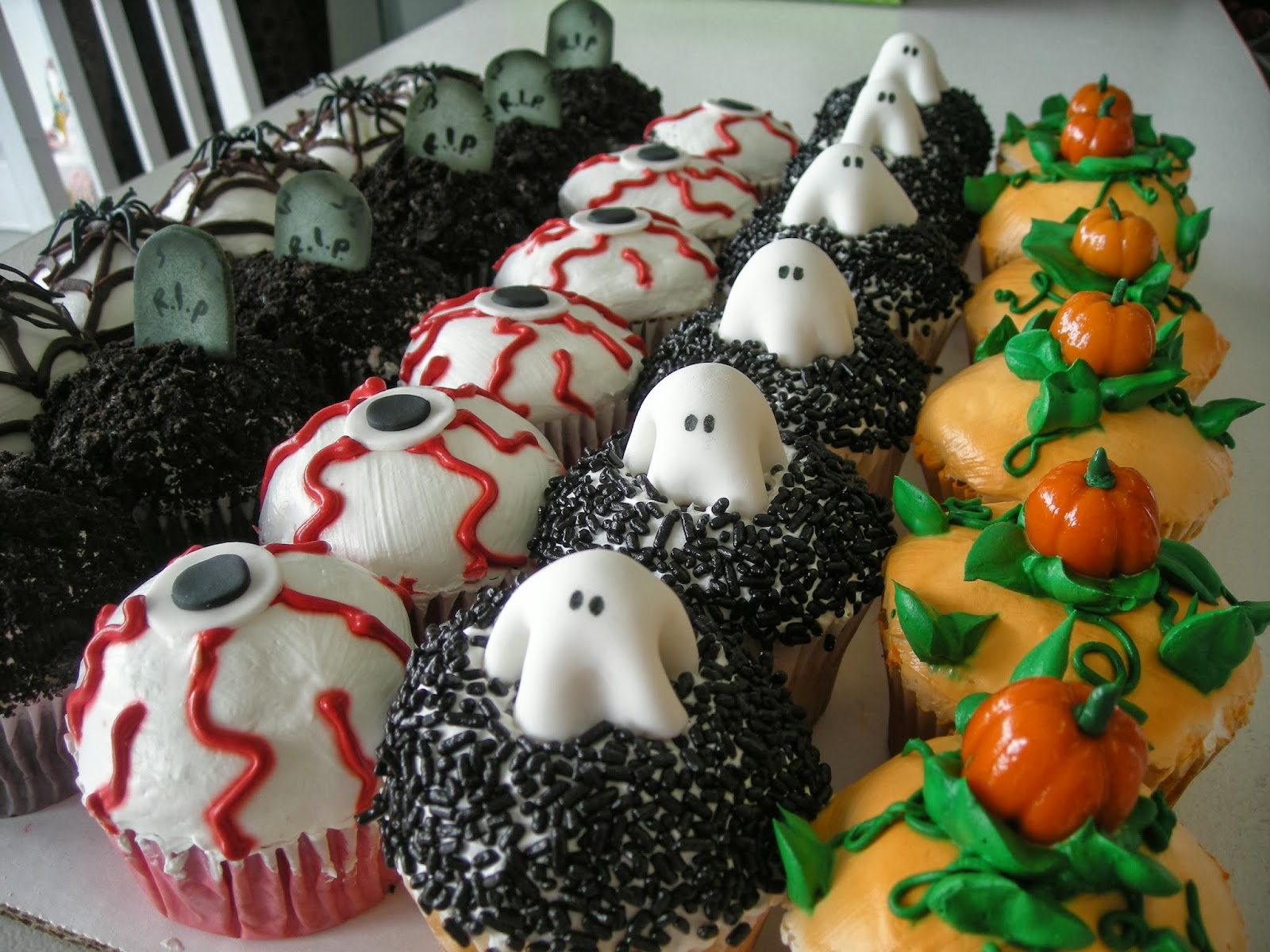 Scary Halloween Cupcake Ideas