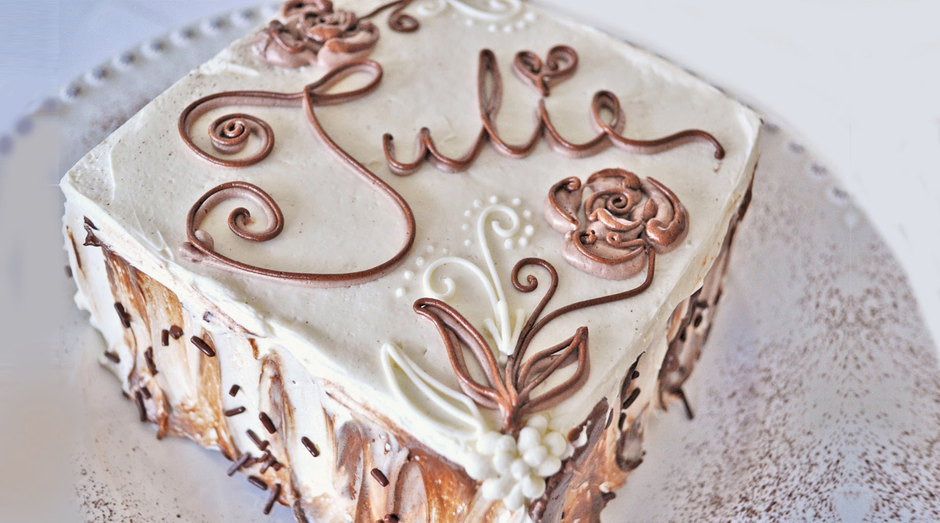 White Cake with Chocolate Frosting Decorating Ideas