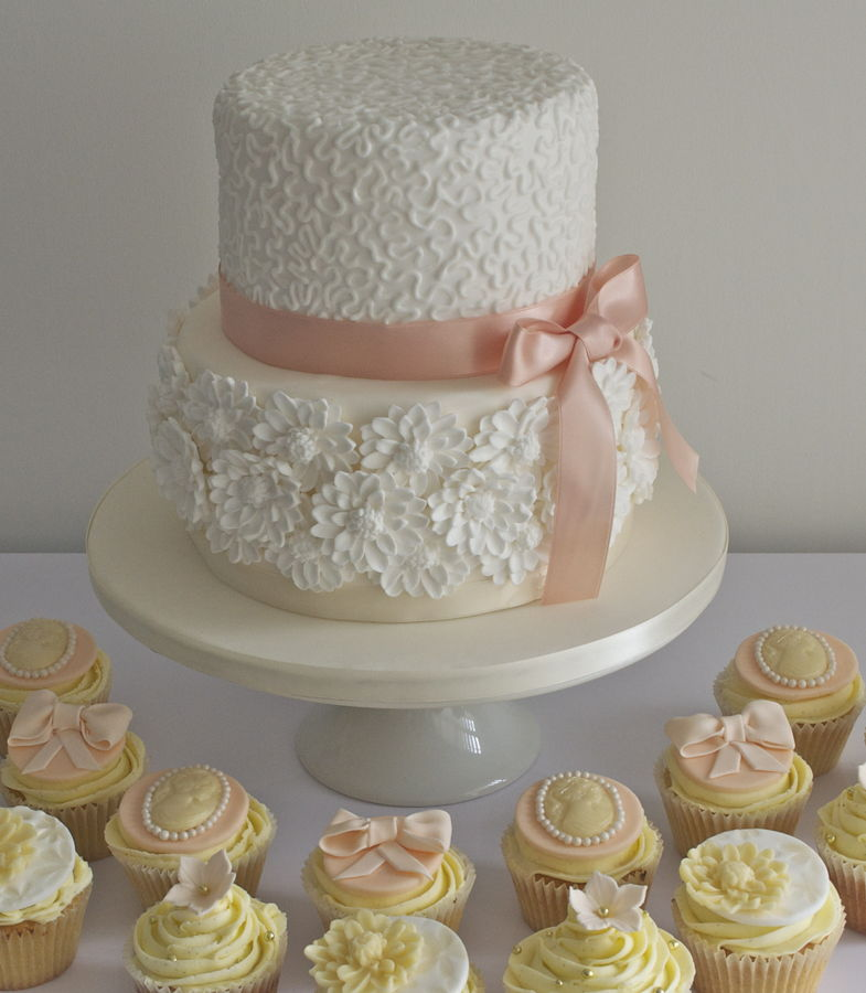 2 Tier Wedding Cakes with Cupcakes