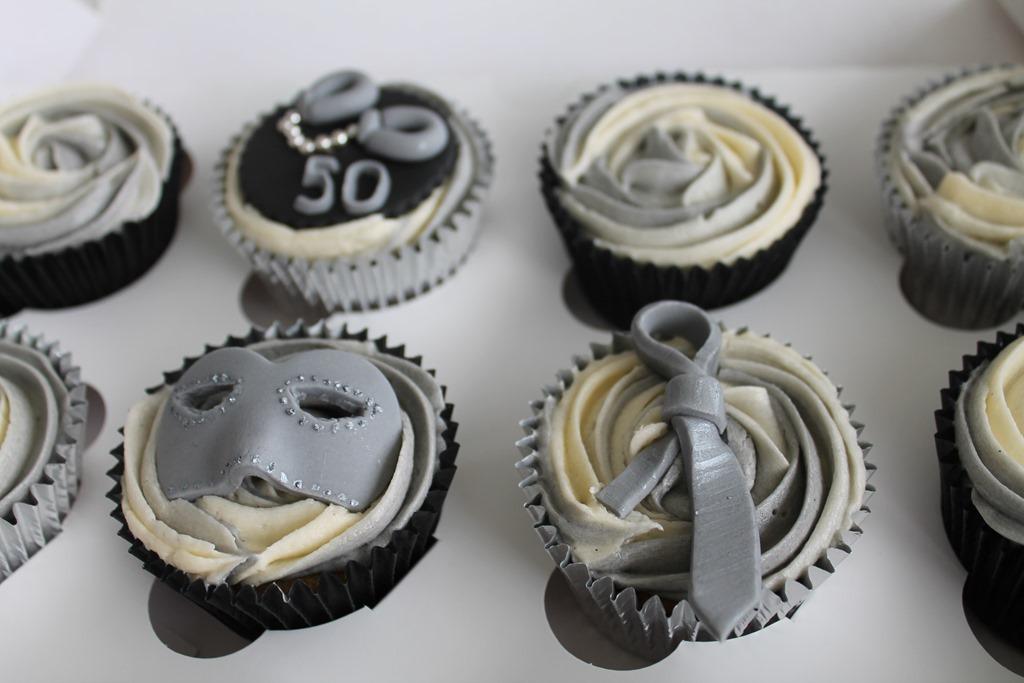 50 Shades of Grey Cake Cupcakes