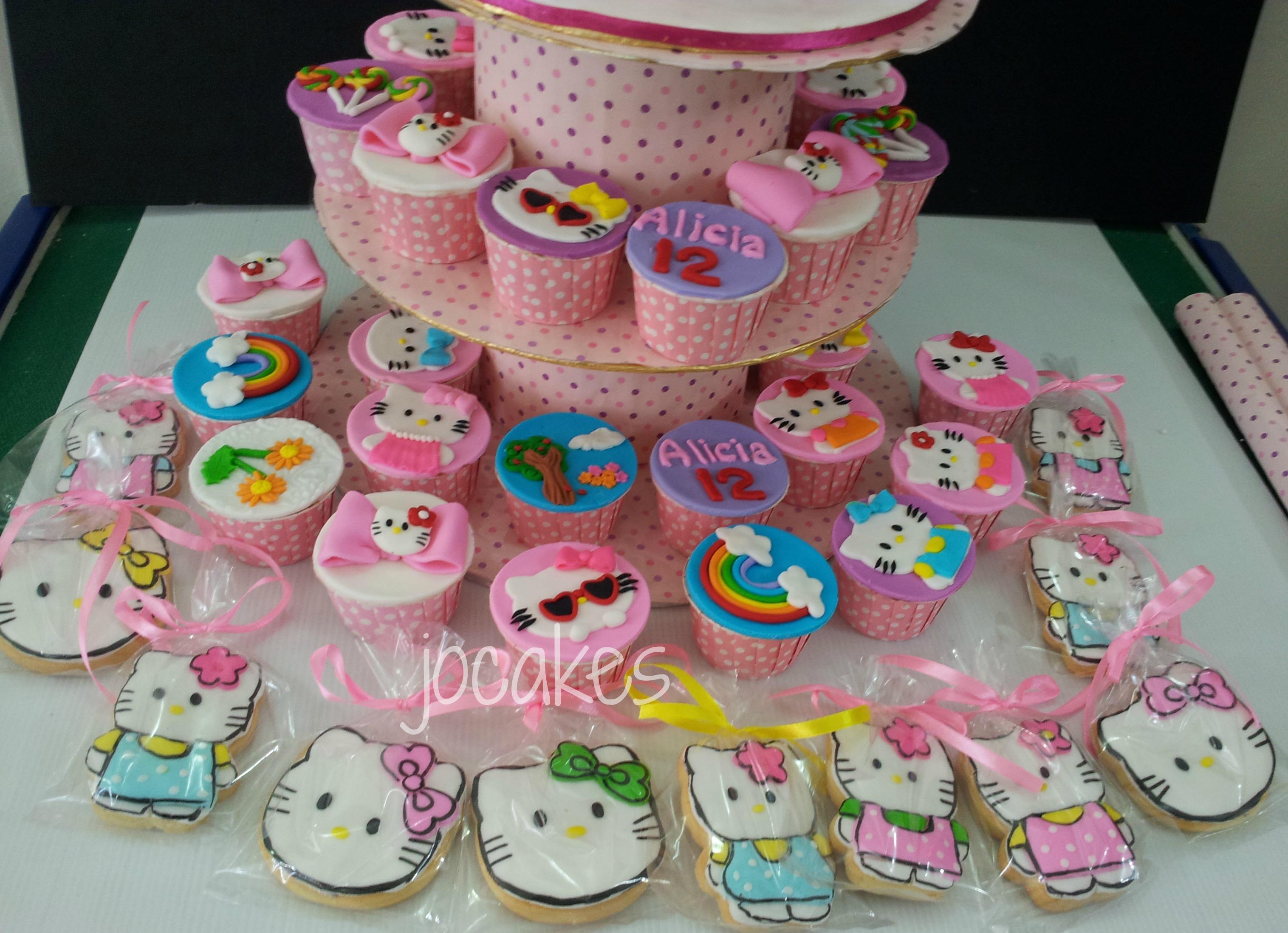 Hello Kitty Birthday Cake and Cupcakes