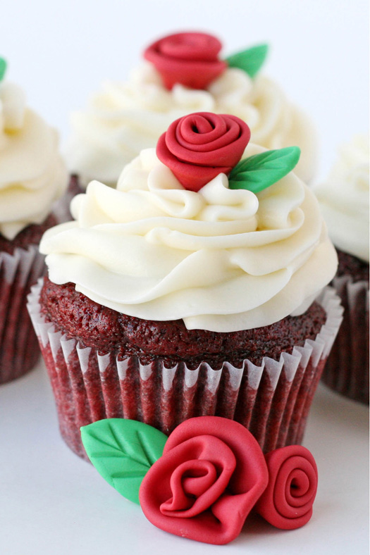 How to Make Fondant Roses Cupcakes