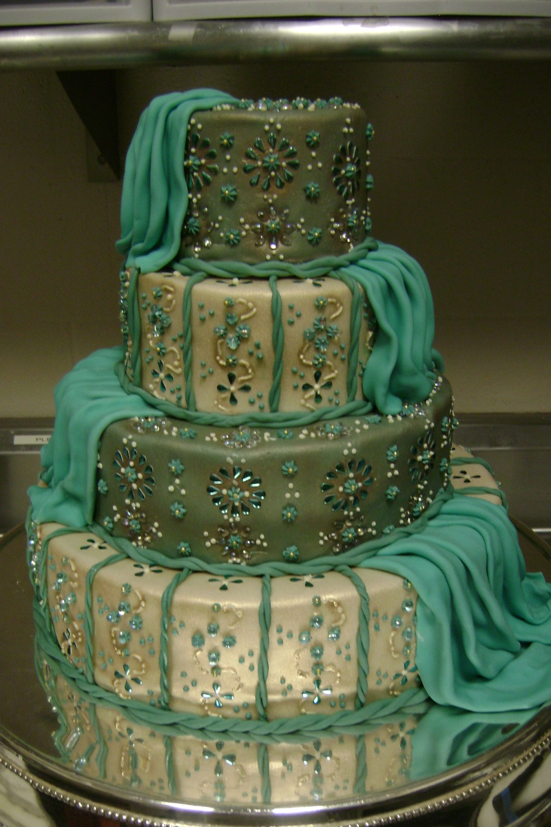 Indian-themed Wedding Cake