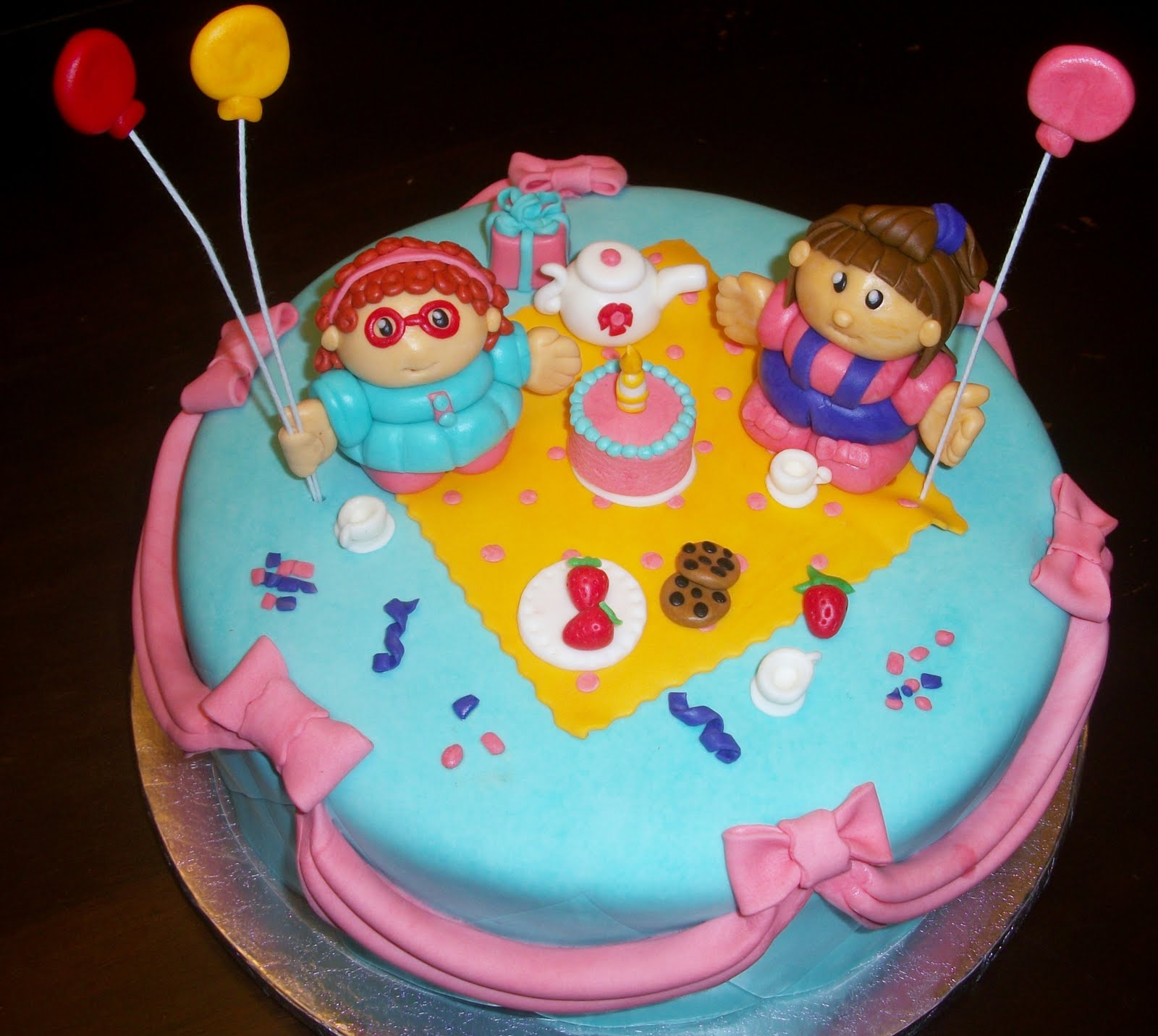 Little People Birthday Cakes