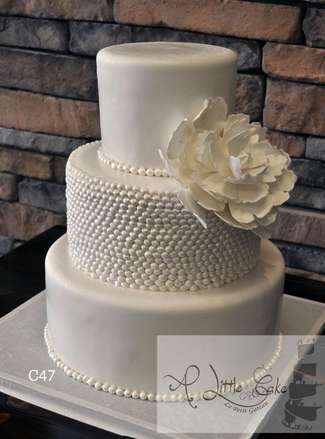 Pearl Fondant Wedding Cake