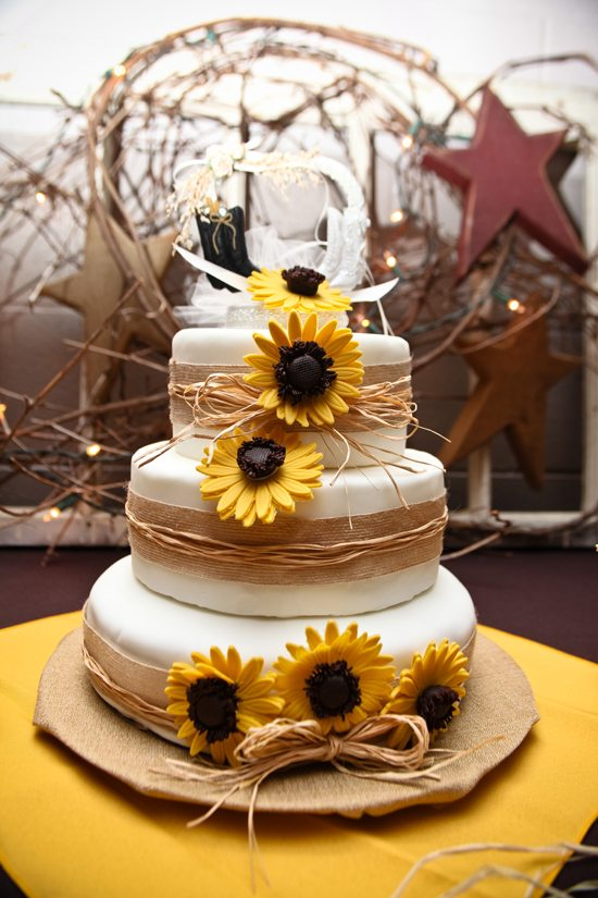 Rustic Country Wedding Sunflower Cake