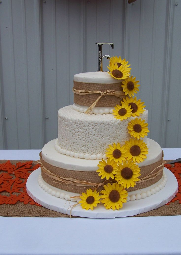Rustic Wedding Cake with Sunflowers