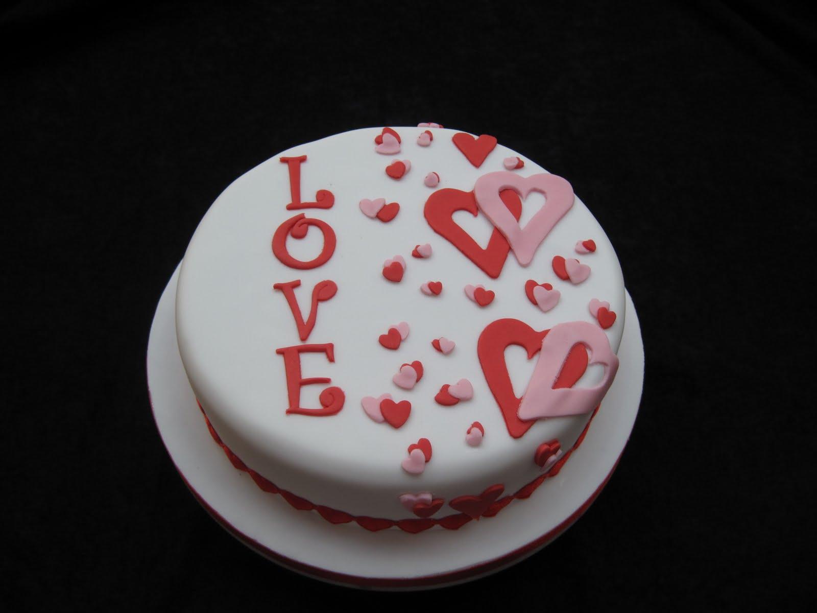 5 Photos of Easy Fondant Cakes Valentine's