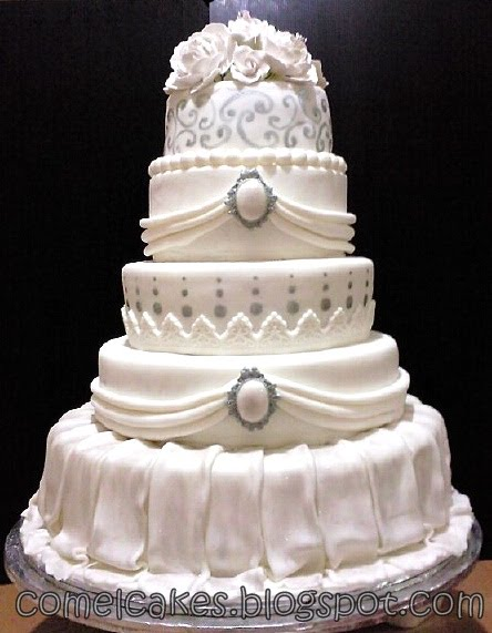 12 Photos of Tiered Fondant Wedding Cakes