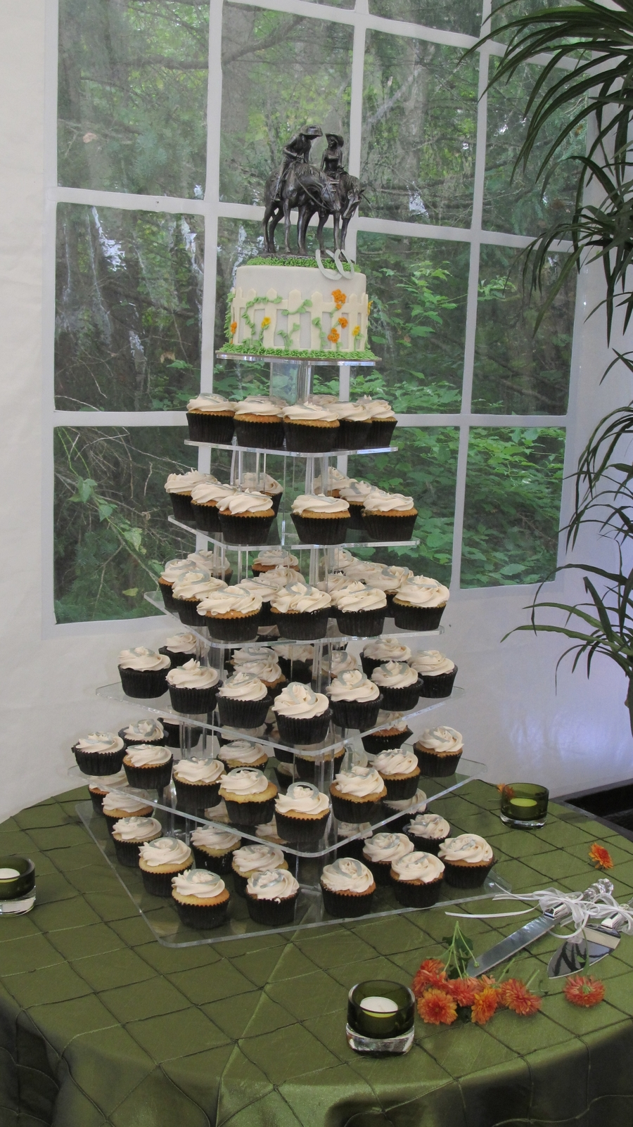 Western Theme Wedding Cupcakes