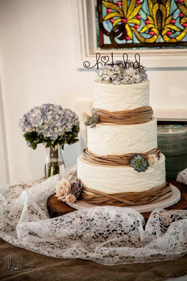 Burlap and Lace Wedding Cake Ideas
