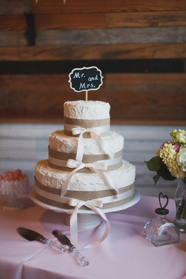 12 Photos of Southern Country Wedding Shower Cakes