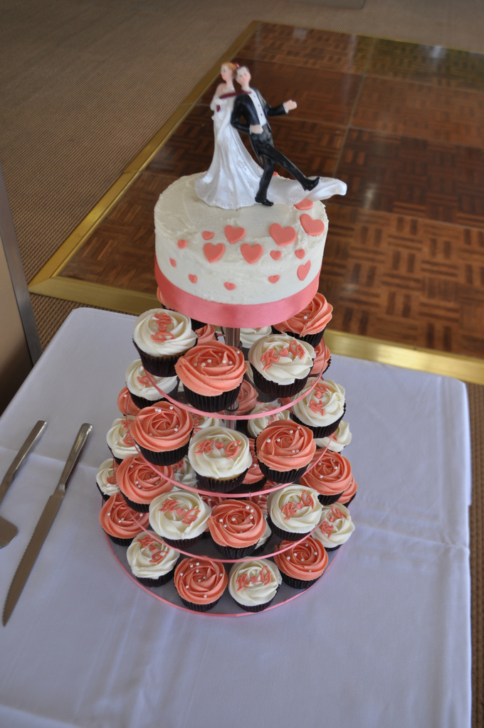 5 Photos of Coral Wedding Cupcakes