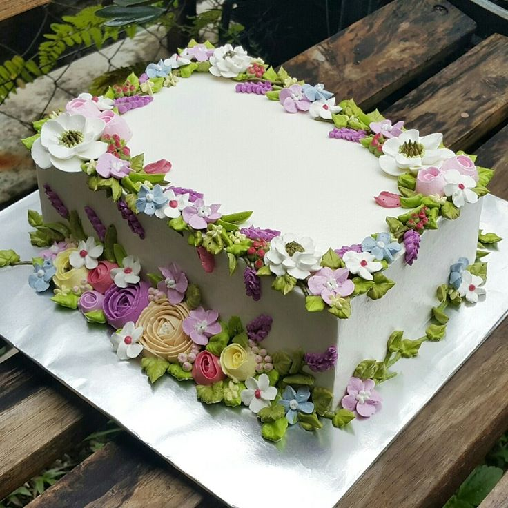 Decorated Sheet Cakes with Flowers