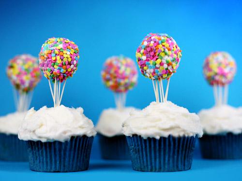 Hot Air Balloon Cupcake Cake