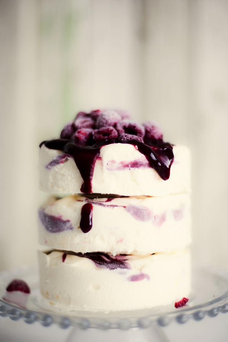 11 Photos of Ice Cream Cake Wedding Cakes
