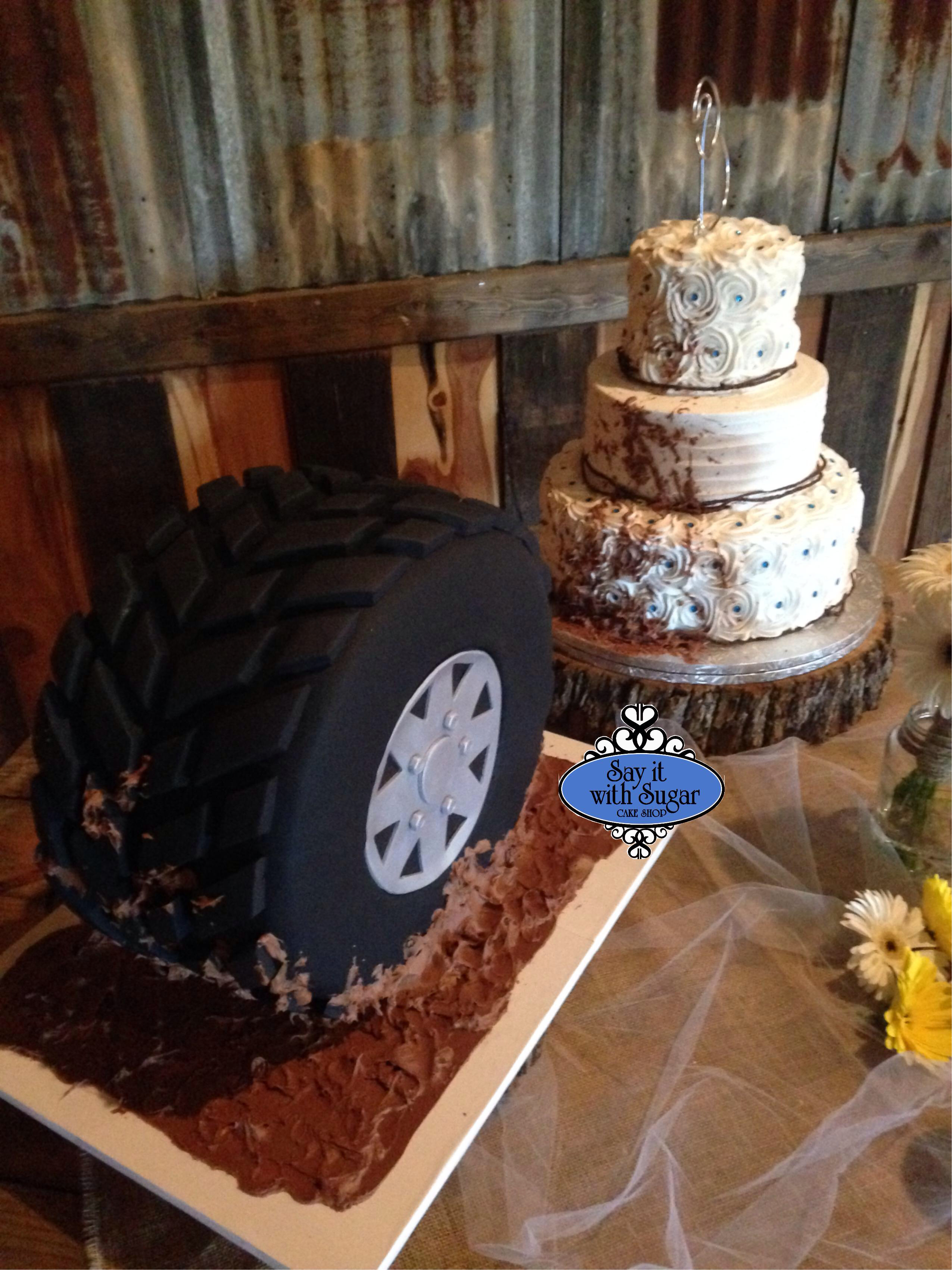 10 Photos of June Wedding Groom Cakes