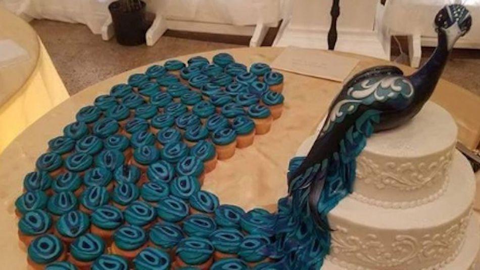 Peacock Wedding Cake Cupcakes