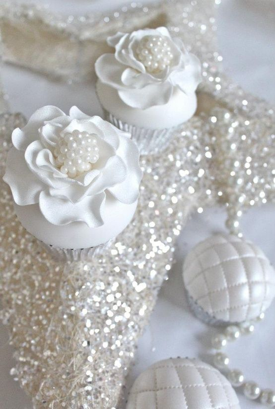 10 Photos of Wedding Cupcakes With Pearls 3