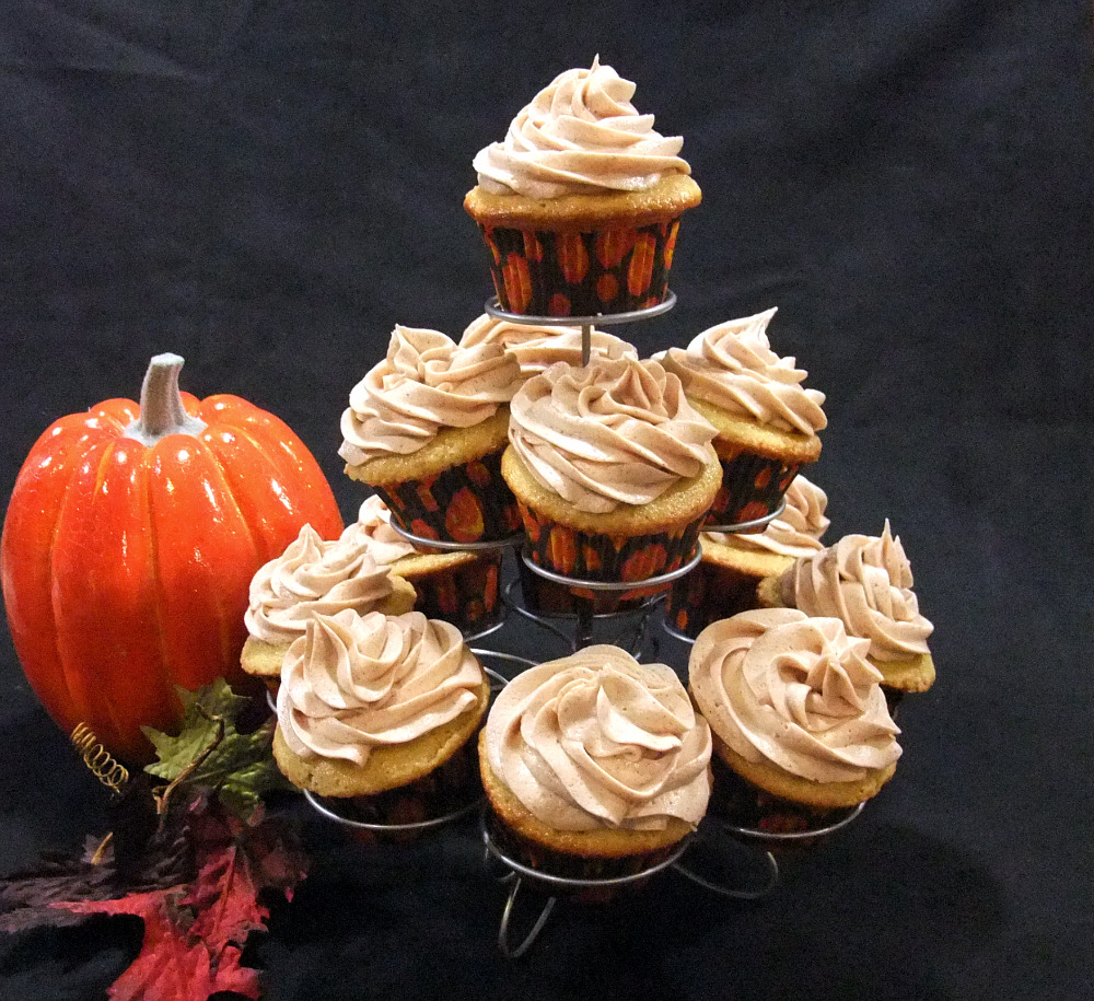 6 Photos of Pumpkin Spice Cupcakes With Buttercream Icing