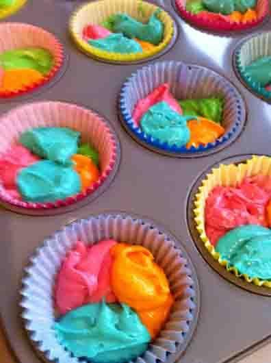 Trolls Birthday Cake and Cupcakes