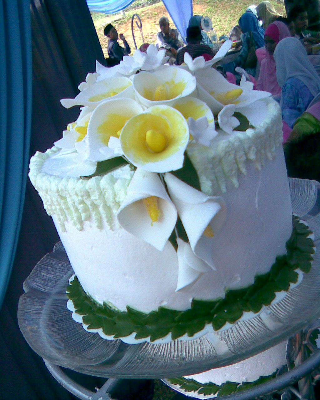 Wedding Cakes Decorated with Calla Lilies