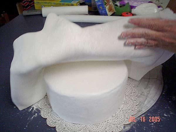 Cake with Marshmallow Fondant