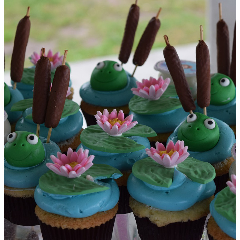 Cupcake Cake with Lily Pads and Frogs