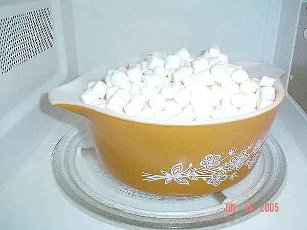 Decorating with Marshmallow Fondant