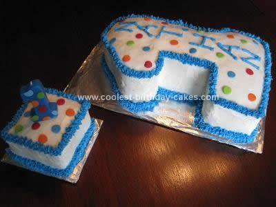 First Birthday Smash Cake and Cupcakes