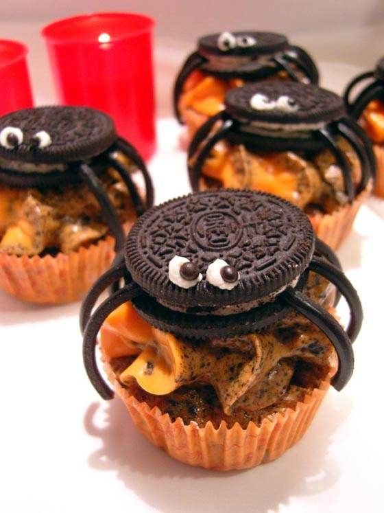 Halloween Cupcakes with Oreos as Spiders