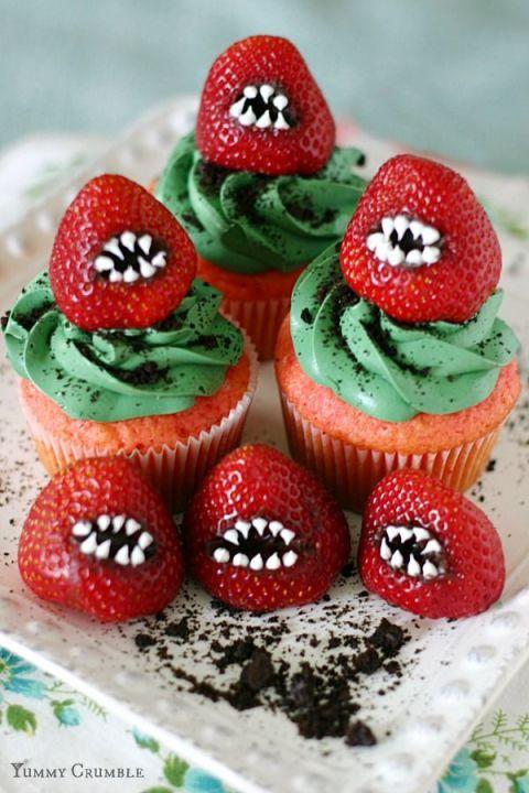 Halloween Strawberry Cupcakes