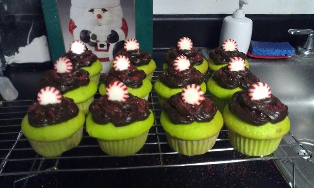 How the Grinch Stole Christmas Cupcakes