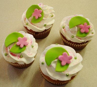 7 Photos of With Lily Pads Cupcakes