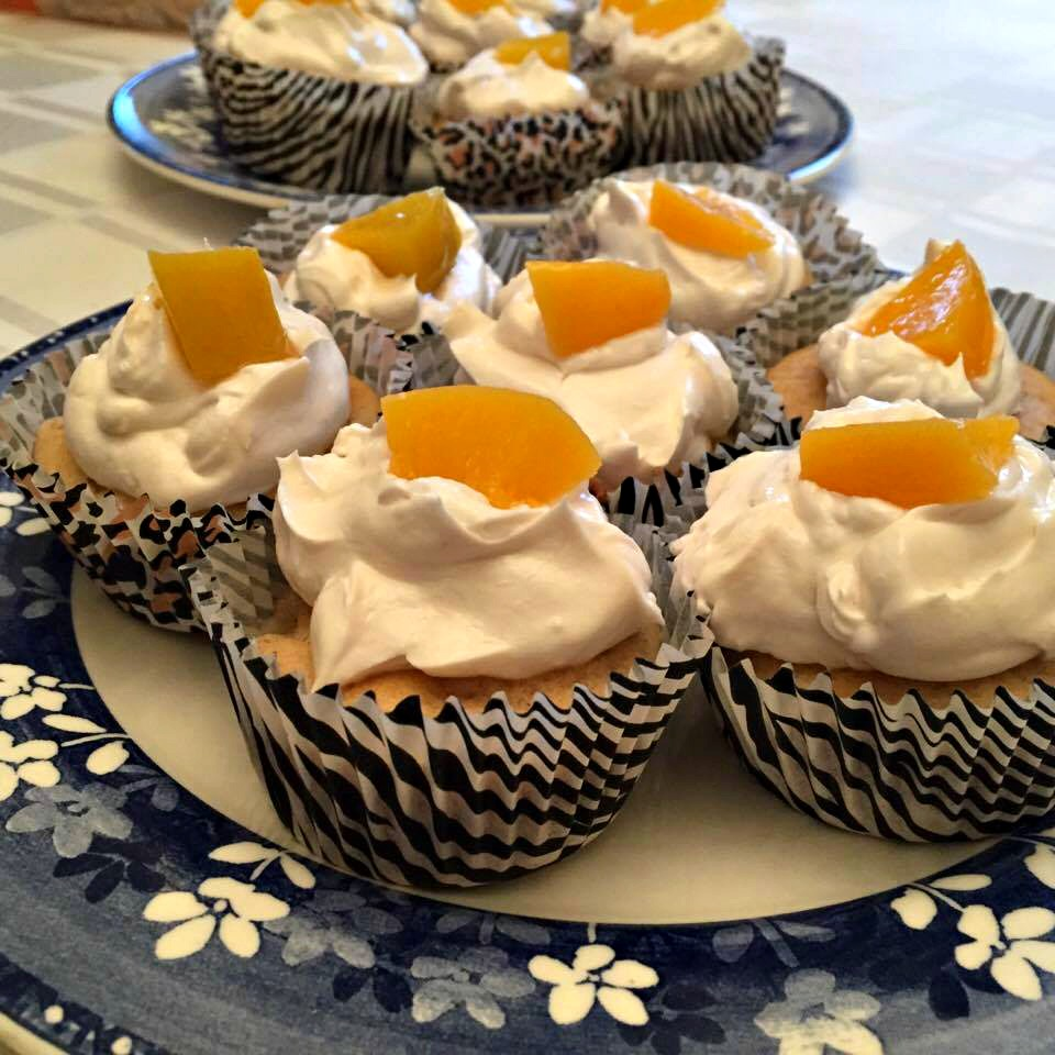 Peaches and Cream Cupcakes Recipe