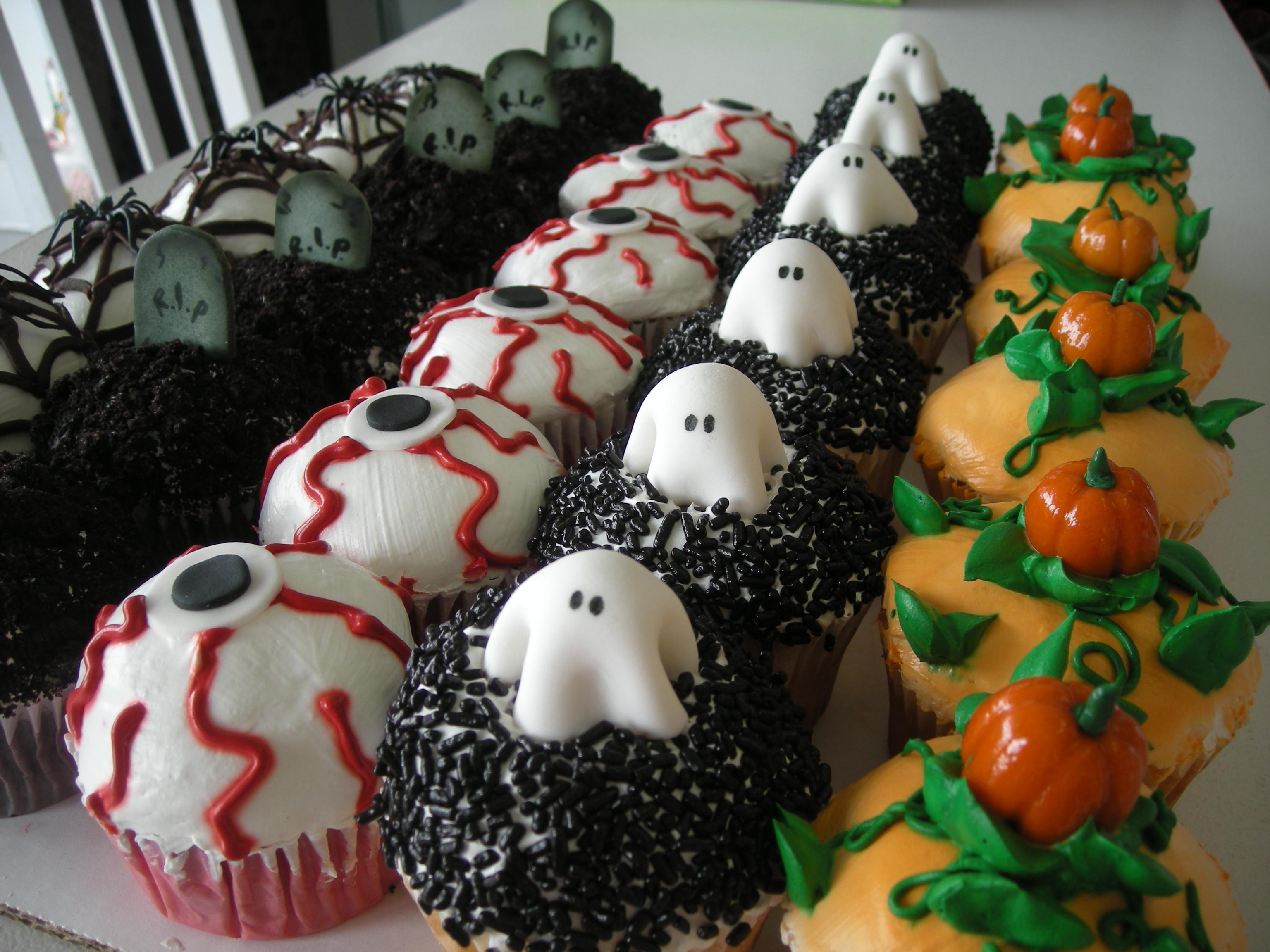 Scary Halloween Cupcake Ideas