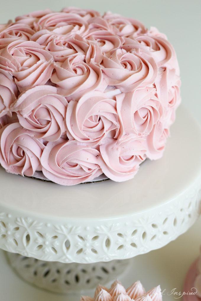 Simple Cake Decorating