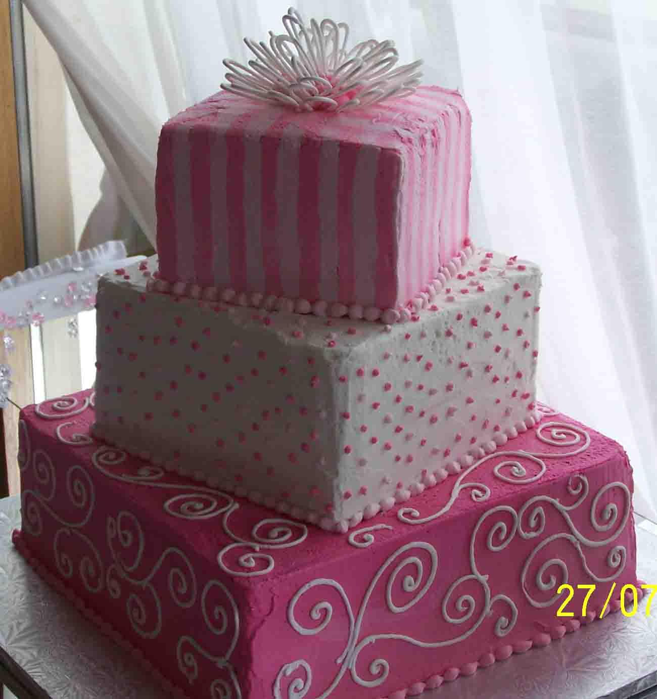 Square Gift Box Birthday Cake