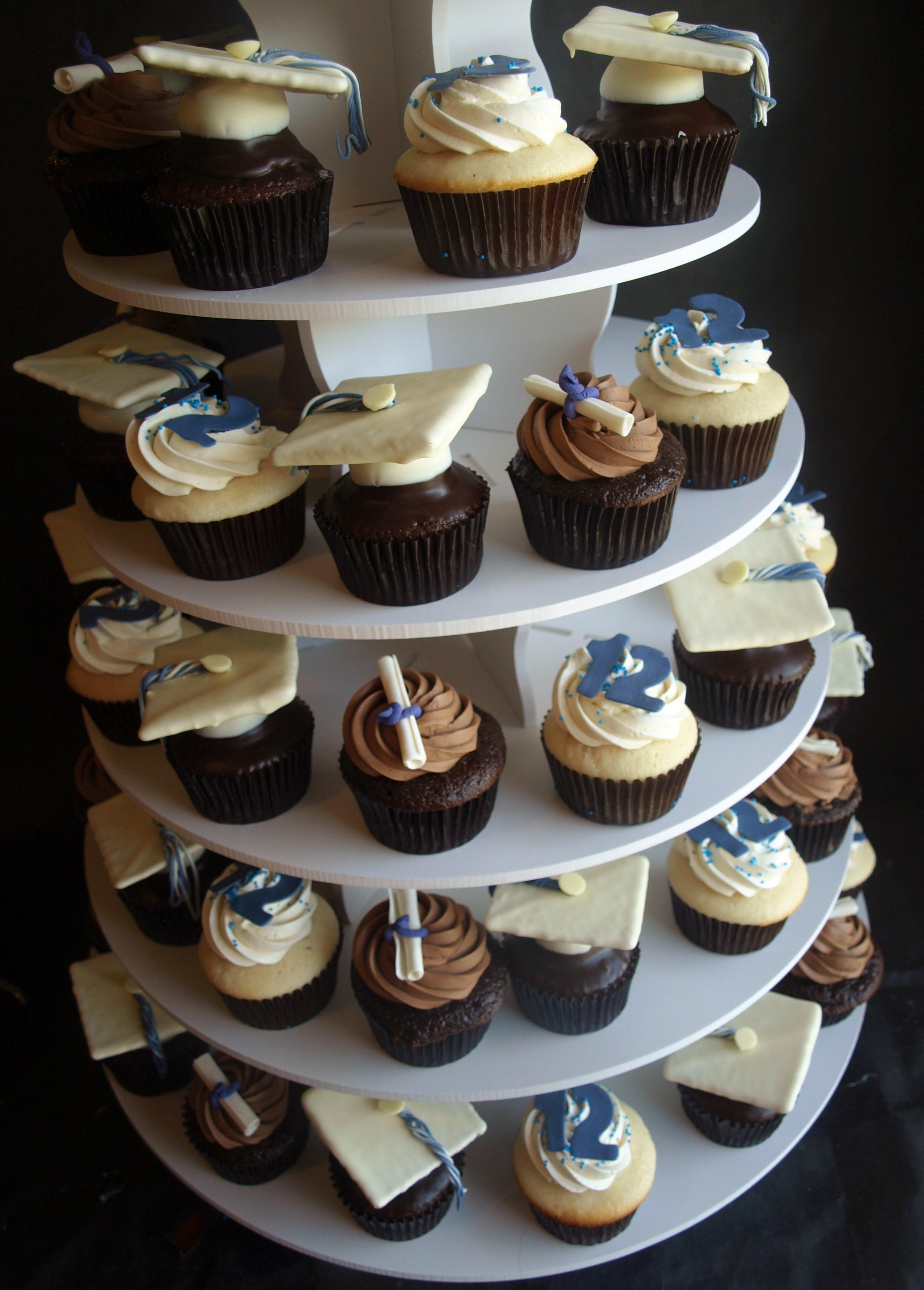 Unique Graduation Cupcakes