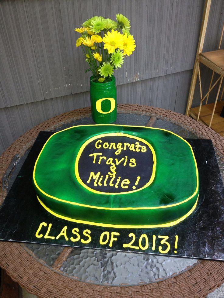 University of Oregon Graduation Cakes