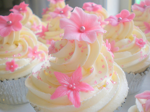 Vanilla Cupcakes with Pink Flowers