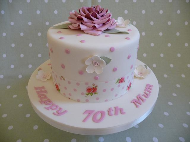 Woman 70th Birthday Cakes Ideas
