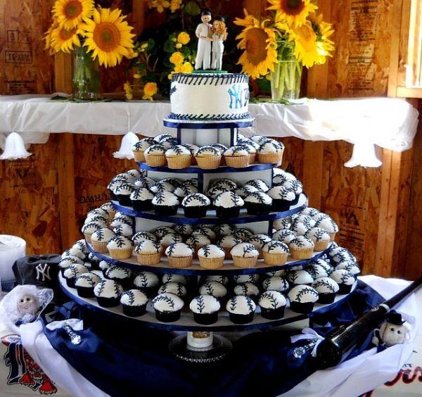Baseball-Themed Wedding Cupcakes