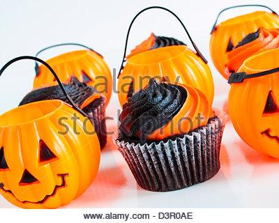 Black and Orange Halloween Cupcakes