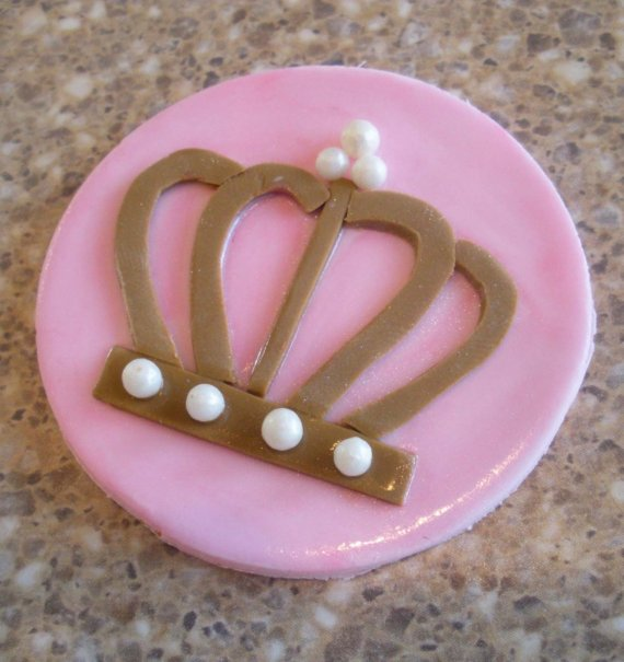 Fondant Crown Cupcake Toppers