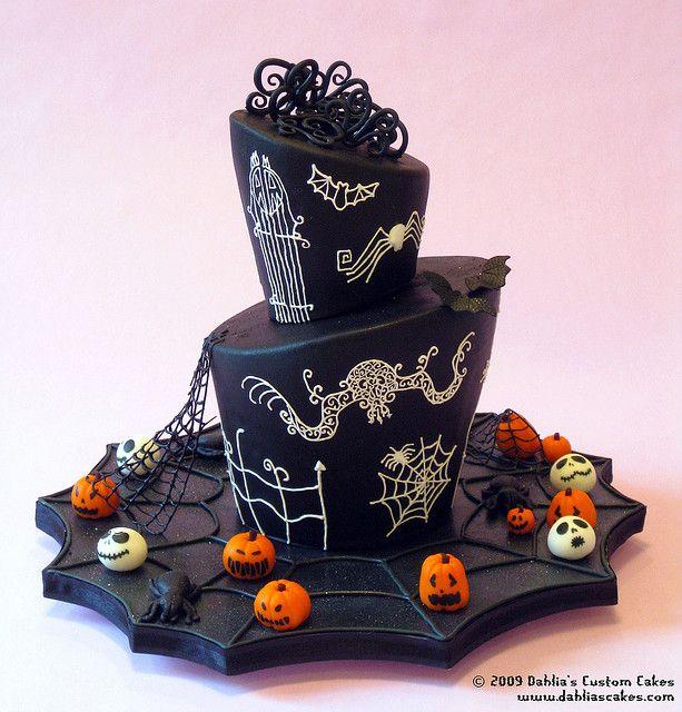 7 Photos of Nightmare Halloween Cakes