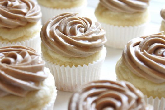 Pancake Cupcakes with Maple Frosting